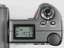 Nikon Coolpix 990 Detail Oberseite [Foto: MediaNord]